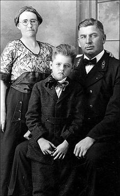 Hilt Family
