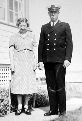 Mabel and keeper Arthur J. Beal